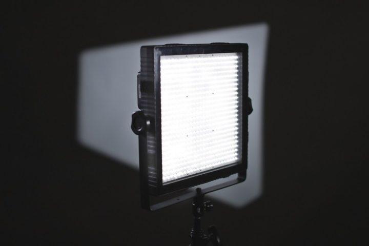 Felloni LED panel Light / The classic